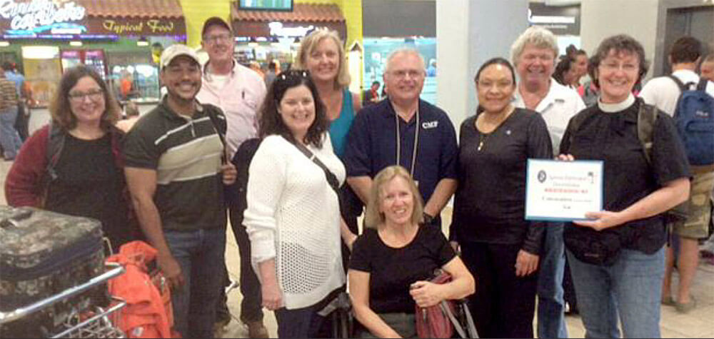 The Souteastern Convocation mission team in the Santo Domingo airport on January 31.