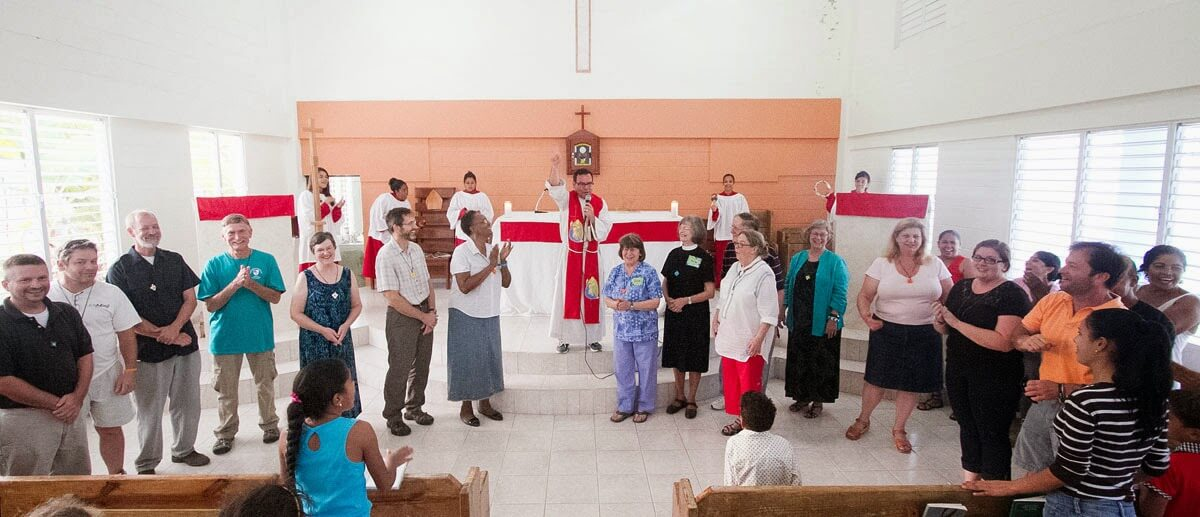 Members of the mission team being recognized during a worship service in Iglesia Episcopal Monte de la Transfiguración, the Episcopal church on the grounds of the camp and conference center in El Pedregal.