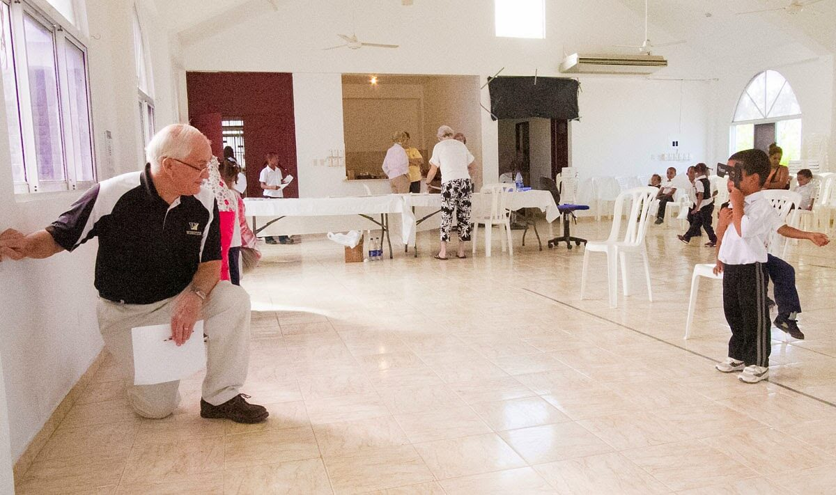 The optical mission team worked inside a large room of the Episcopal Church's medical clinic in San Pedro de Macorís.