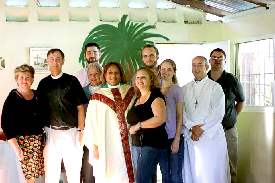 The missioners from the Southeast Convocation of the Diocese of Georgia in Iglesia San Antonio de Padua in El Carreton on February 2, 2014. With the team (vested) are the Rev. Milquella Mendoza and seminarian José Abreu.