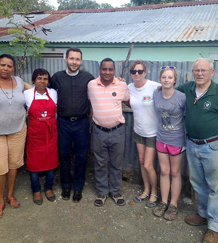 The missioners from St. Patrick's Episcopal Church (Albany) in Las Carreras in March, 2014.