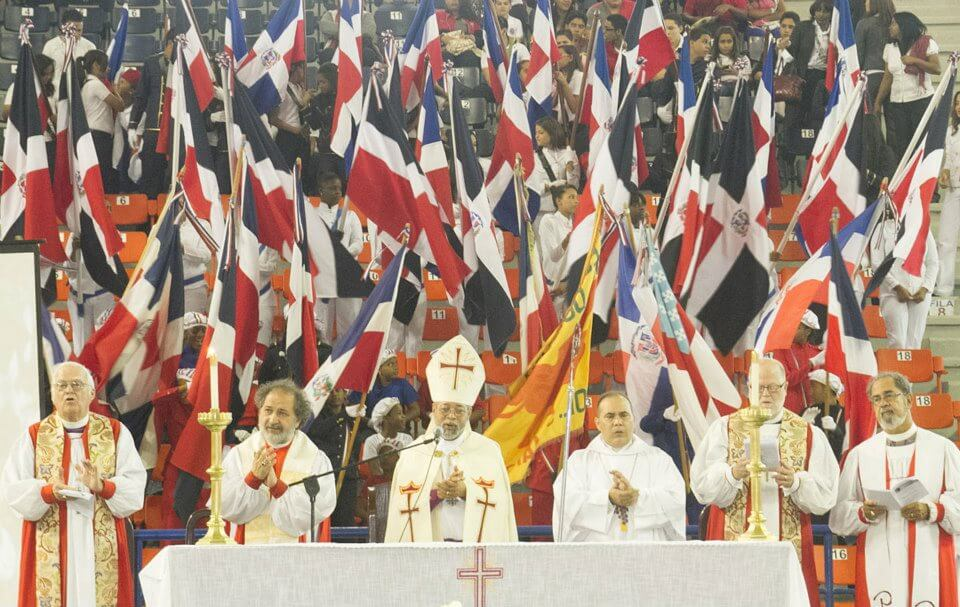 A photograph from the closing service of the Encounter in Mission, attended by five bishops of the Episcopal Church.
